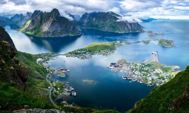 Estocolmo, Oslo , Fiordos y Glaciares – Vuelo desde Alicante
