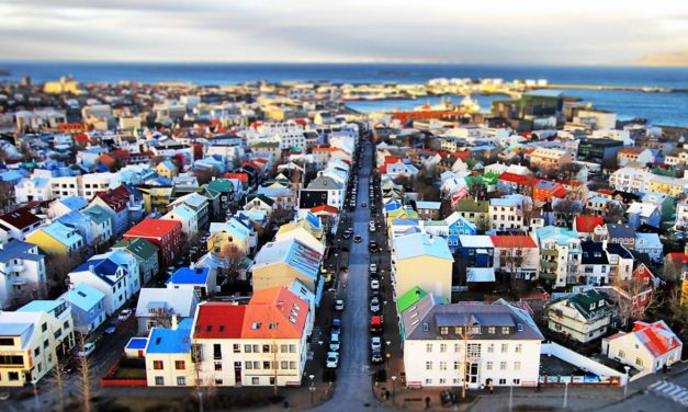Puente de Octubre – Reykjavik a tu aire – Islandia