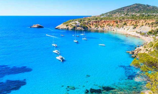 Disfruta de la bella Ibiza