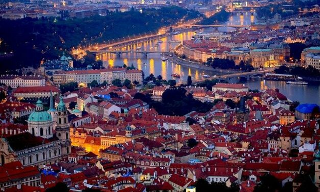 Puente de Diciembre en Praga